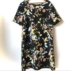Dresses & Skirts - Reitmans Floral Print Shift Dress